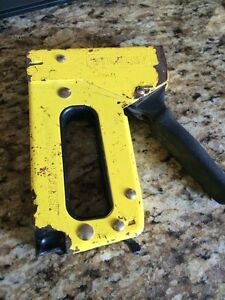 Stanley manual staple gun