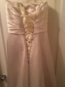 gold wedding dress size 10 Peterborough Peterborough Area image 6