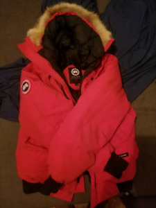 Canada goose Red chilliwack bomber Size Large