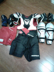 LOTS OF USED HOCKEY EQUIPMENT JUNIOR  CHEAP