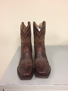 Womens Justin Boots size 9.5