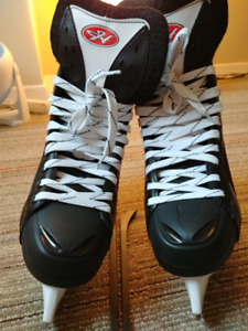 Mens hockey skates US10