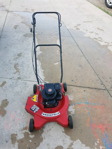 3.5hp Briggs and Stratton lawn mower