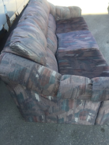 EXCELLENT CONDITION COUCH/SOFA $125.00 FREE DEL (204) 229-3266