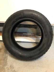 4 pneus d'hiver / 4 winter Tires 205/60R16 (Hankook)