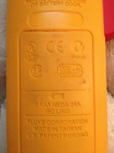 FLUKE 322 CLAMP ON AMMETER WITH LEADS AND CARRYING CASE Strathcona County Edmonton Area image 9