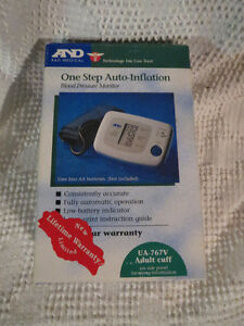 A & D Medical Blood Pressure Monitor / Lecteur de pression