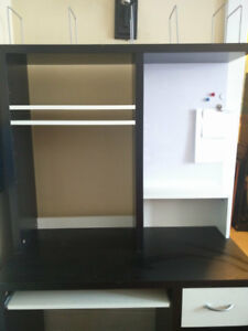IKEA computer desk (with delivery within Hamilton)