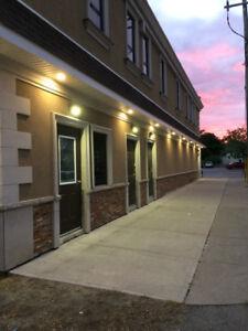 Upper 2 bedroom Apt Downtown Ridgeway