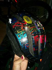 Bike - helmet and knee pads Kitchener / Waterloo Kitchener Area image 2