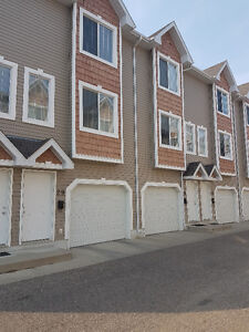 great townhouse in lakewood