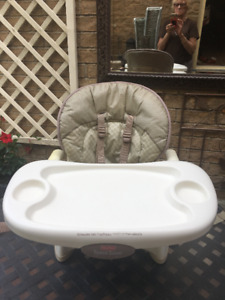 HighChair - Fisher Price Space Saver