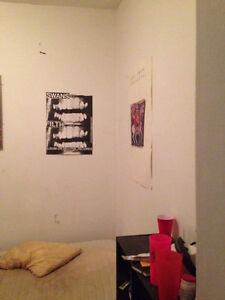 Room for rent in lower Plateau