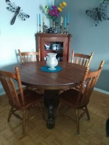Solid Oak Antique Dining Table with Leaf