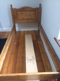 Single bed frame with slats - Pine