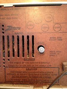 Antique Radio-Clock Zenith MODEL: G515 Stratford Kitchener Area image 3