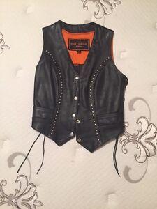 Ladies leather biker vest like new