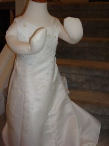 Special Occasion Dress/Flower Girl Dress NEW sz 4 Peterborough Peterborough Area image 1