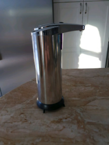 Automatic sensor soap dispenser