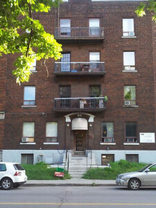 CHEAP CHEAP SUB LEASE!! 2 BED. AMAZING LOCATION WESTMOUNT