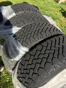 4 WINTER TIRES on RIM -- P205/65R15 West Island Greater Montréal image 1