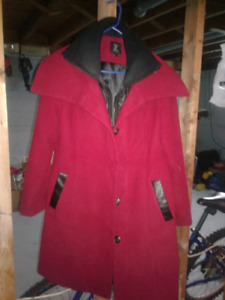 WOMANS FALL AND WINTER COAT