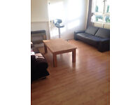 3 BED FLAT: TIDEY ST BOW E3 4DD (STUDENT ACCEPTED)