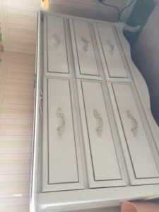 Canopy bedroom set - twin for girls