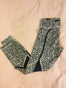 Women's LULULEMON: pedal to the medal 7/8 tight- size 6