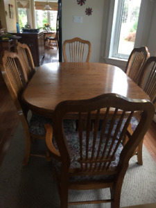 Oval Dining room table set