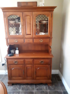 Vilas Maple Dining Room Table, Buffet and Hutch