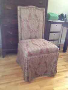 Occasional chair/bedroom chair