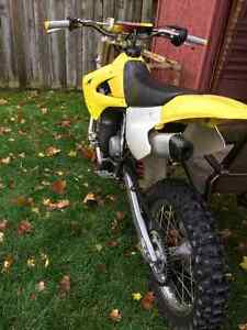 RM-85 Suzuki 2-stroke DIRT BIKE fast pit bike Kitchener / Waterloo Kitchener Area image 4
