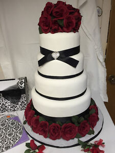ARTIFICIAL WEDING CAKE AND LETTER BOX AND ACCESSORIES Sarnia Sarnia Area image 1