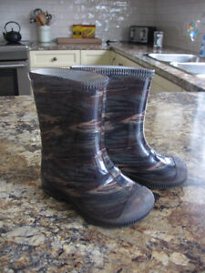 Rain boots - toddler size 7