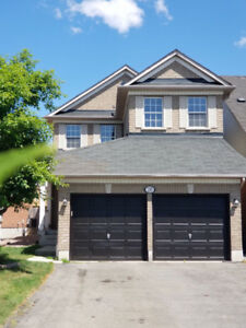 Detached 2 story house for Lease in Whitby