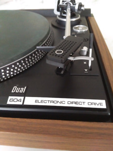 Dual 604 Direct Drive turntable record player vintage