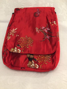 BEAUTIFUL ORIENTAL EMBROIDERED EVENING BAG
