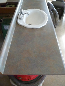 LAMINATE COUNTER TOP WITH SINK, TAPS AND DRAIN