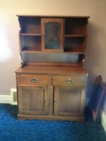 FOR SALE - TOGETHER OR SEPARATE - HUTCH & DINING ROOM TABLE