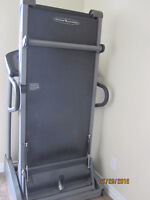 TREADMILL SIMPLE FOLD-UP VISION FITNESS T9450