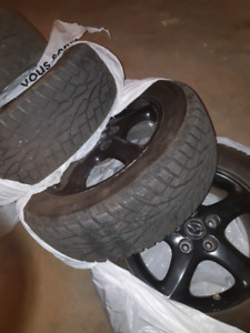 Winter tires on aluminum wheels/ pneus d'hiver sur mags