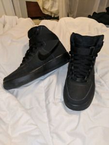 AIR FORCE 1'S - SIZE US 6 YOUTH