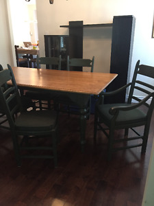 Custom made dirning room/kitchen table with 6 chairs