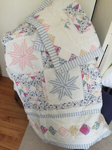 Queen Quilt with 2 Shams