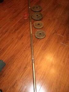 SOLID STEEL WEIGHT BAR w collars + 2 x 10 lbs + 2 x 5 lbs plates