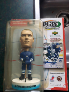 Alex mogilny leafs bobble head upper deck blue jersey