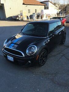 PRICED TO SELL!!   MINI COOPER S/ BAYSWATER LIMITED EDITION