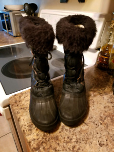 Sorel ladies boots size 7
