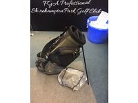 TAYLORMADE STAND BAG IN GOOD CONDITION WIH DOUBLE STRAP